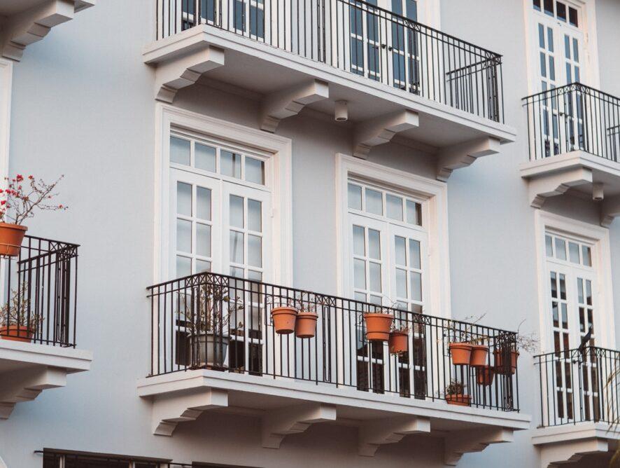 Flatr hjælper dig med at finde en andelsbolig i København og holder boligmarkedet fair
